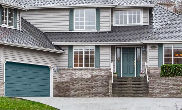 waterio color garage door, gray house front
