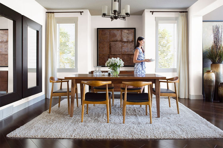 dining-room, light wood table and chairs, almost white walls