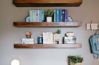 How to Style Shelves for the Perfect Shelfie